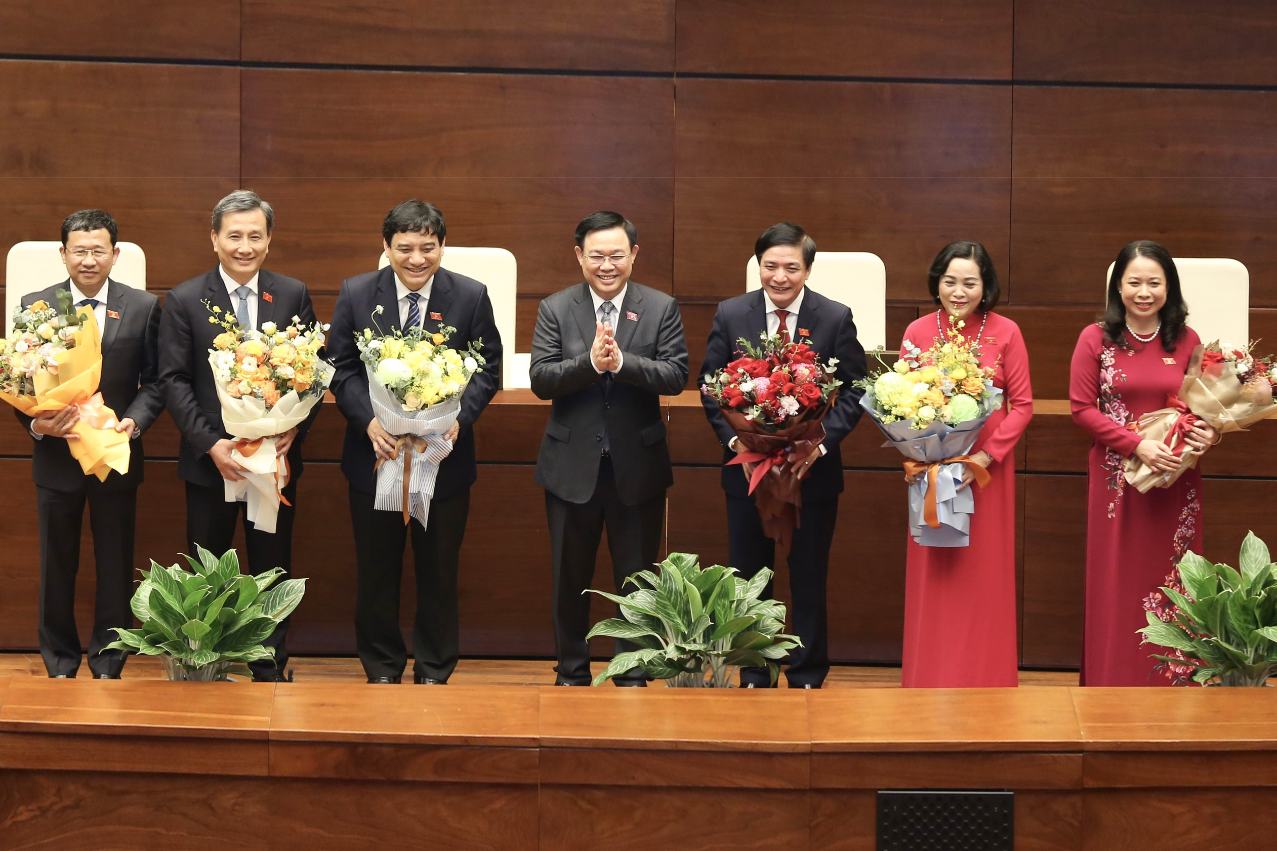 Hôm nay bầu xong lãnh đạo các cơ quan Quốc hội, trình nhân sự Chính phủ