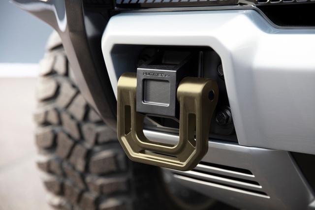 Hummer EV SUV mỗi lần sạc điện chạy được gần 500km - 36