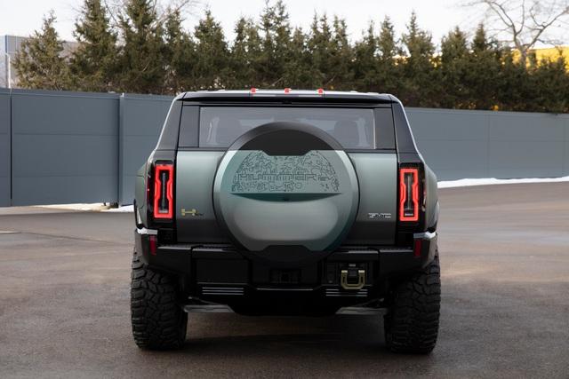 Hummer EV SUV mỗi lần sạc điện chạy được gần 500km - 38