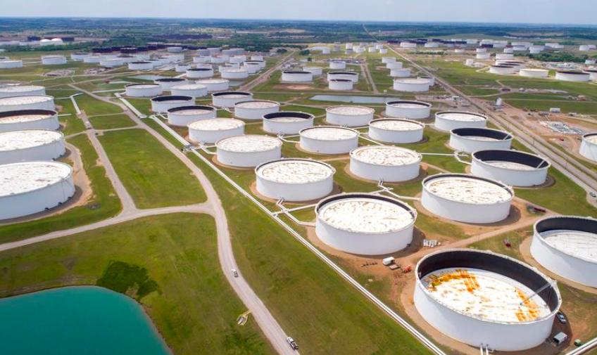 Giá dầu quay đầu giảm sau khi dự trữ xăng của Mỹ cao hơn dự đoán