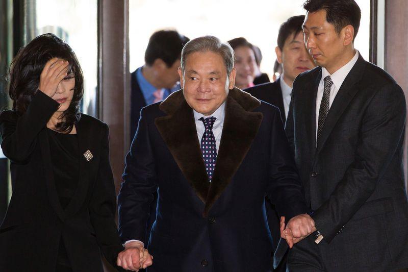 Kho báu bí mật giúp gia tộc Samsung nộp khoản thuế thừa kế