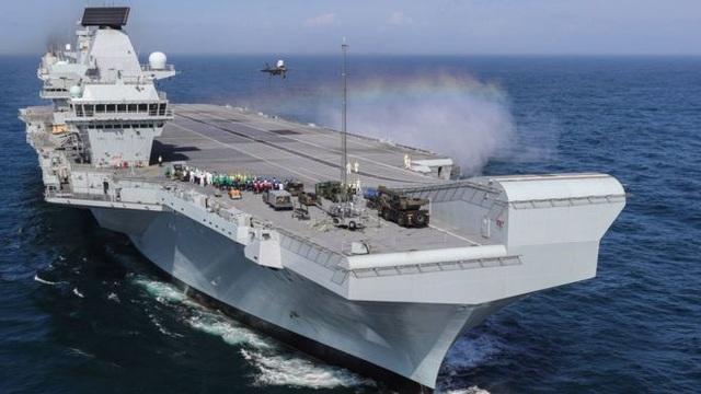 Tàu sân bay 4,5 tỷ USD của Anh gặp sự cố trước hải trình tới Biển Đông