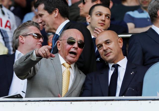 Các ông trùm chi phối giải European Super League giàu tới cỡ nào? - 7
