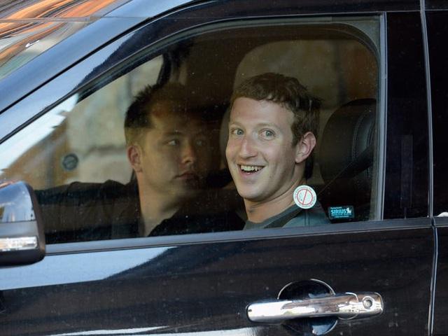 Kiếm 40 tỷ USD mỗi năm, ông chủ Facebook đang tiêu tiền như thế nào? - 5