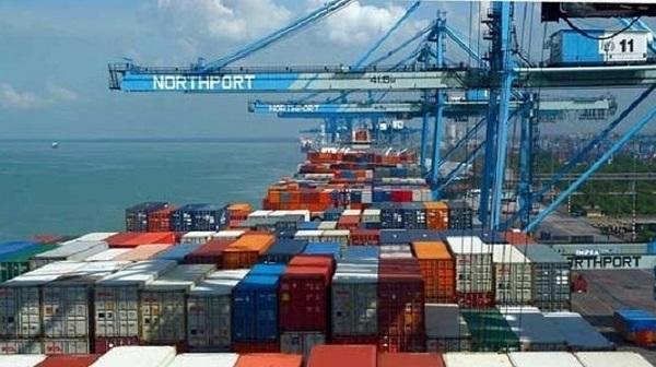 Nửa đầu tháng 4, Việt Nam bất ngờ nhập siêu hơn 1,3 tỷ USD