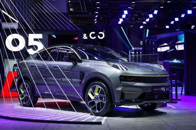 Triển lãm ô tô Thượng Hải 2021: Cuộc phô diễn của xe chạy điện Trung Quốc - 4