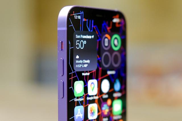Cận cảnh chiếc iPhone 12 màu tím mà Apple vừa ra mắt - 1