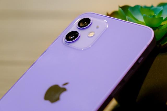 Cận cảnh chiếc iPhone 12 màu tím mà Apple vừa ra mắt - 6