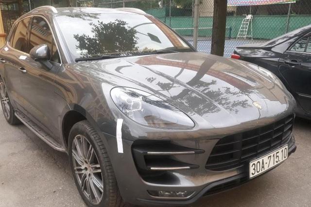 Hà Nội: Truy tìm tài xế xe Porsche Macan mang biển số song sinh - 1