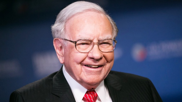 Tỷ phú Warren Buffett trở nên giàu có bằng cách nào?