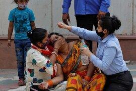Tài phiệt Ấn Độ kêu gọi hy sinh kinh tế, cứu sống người dân giữa Covid-19