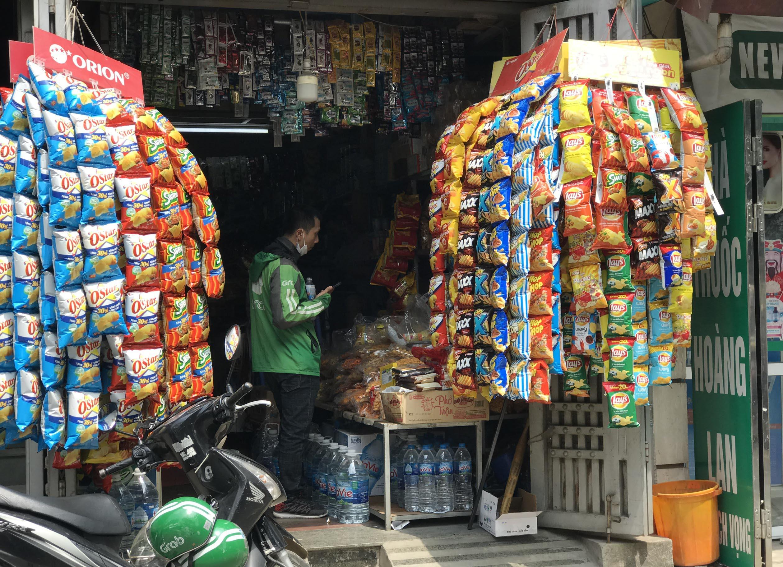 Giá hàng hóa nhấp nhổm, có loại tăng sốc: Chuyên gia nói về nỗi lo lạm phát