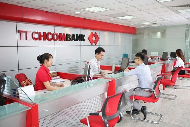 Techcombank: Lương nhân viên đạt đỉnh, cổ đông 10 năm không cổ tức - 1