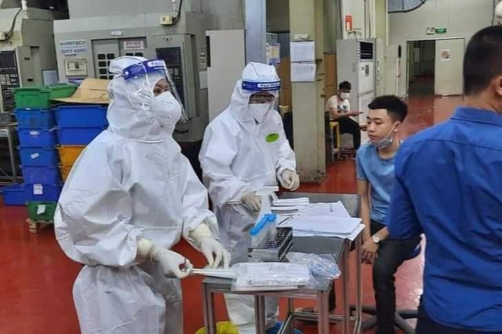 Bắc Giang: Công nhân khu công nghiệp dồn dập có kết quả dương tính