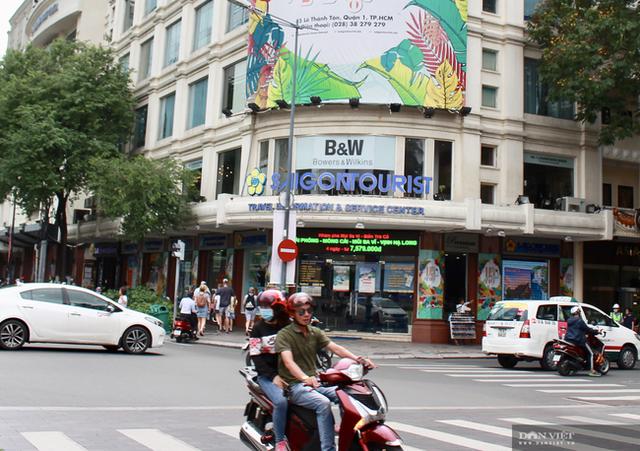 TP.HCM đề xuất không cổ phần hóa Saigontourist, loạt khách sạn trên đất vàng quận 1 liên quan gì? - 1