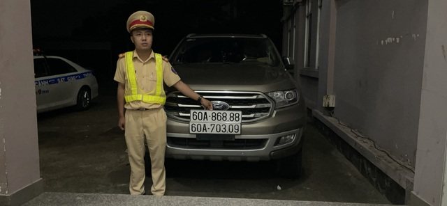 Vụ 2 ô tô trùng biển số: Sốc với lý do dùng biển giả của chủ xe Ford - 4