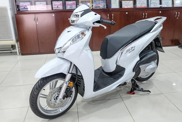 Hơn 1.300 xe Honda SH 300 nhập khẩu Italia bị triệu hồi tại Việt Nam - 1
