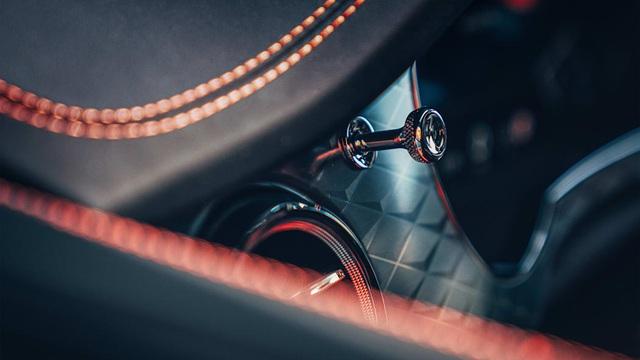 Bentley giới thiệu Bentayga S làm chân chạy cho nhà giàu - 18
