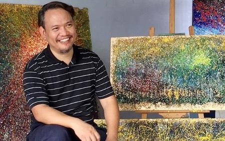 Nghệ sĩ biến rác thải nhựa… thành những bức tranh giá hàng chục triệu đồng