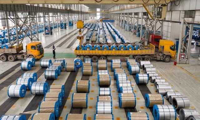 Nhà sản xuất thép Trung Quốc thủng túi vì giá thép lao dốc - 1