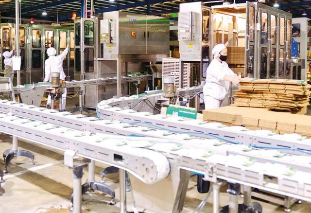 Bắc Ninh: Nhiều doanh nghiệp tổ chức cho công nhân làm việc và lưu trú tại nhà máy - 1