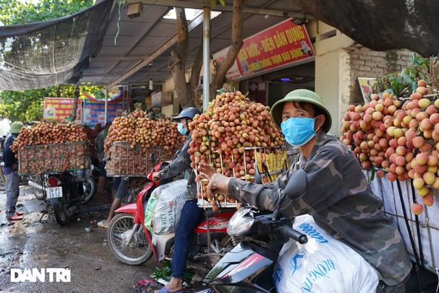 Bắc Giang: Nông dân kêu trời vì giá vải thiều lên xuống thất thường - 2