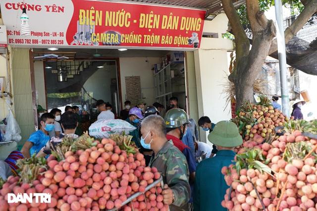 Bắc Giang: Nông dân kêu trời vì giá vải thiều lên xuống thất thường - 3