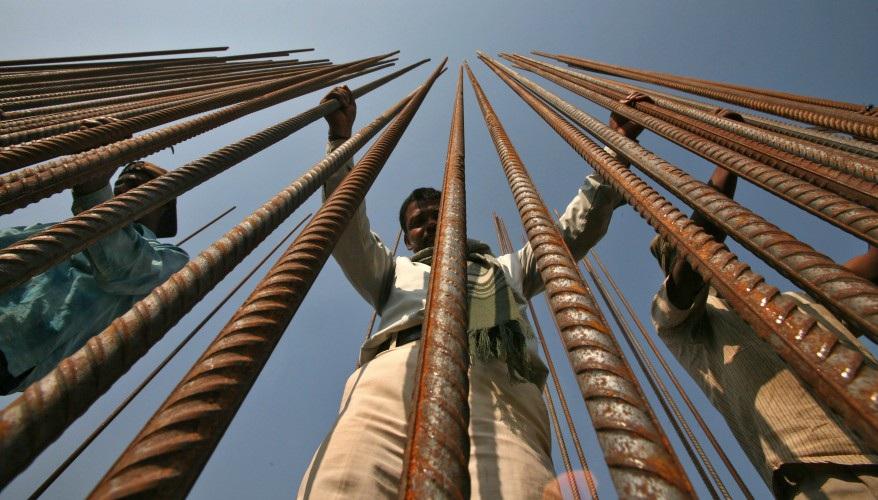 Tỷ phú giàu nhất Ấn Độ giúp