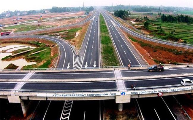 Thủ tướng: Địa phương muốn có đường cao tốc thì phải chủ động vào cuộc!