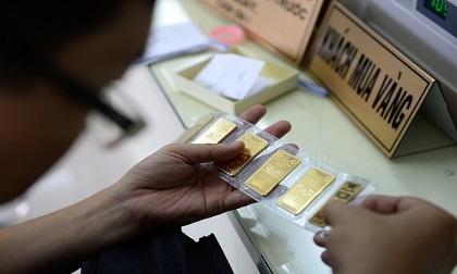 Giá vàng giảm, vẫn đắt hơn thế giới gần 5 triệu đồng/lượng