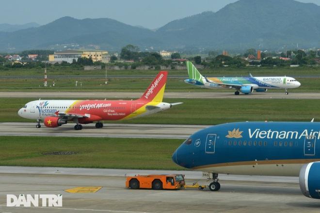 Thêm 2 địa phương tạm dừng các chuyến bay chở khách đi - đến TPHCM - 1