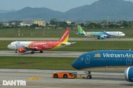Thêm 2 địa phương tạm dừng các chuyến bay chở khách đi - đến TPHCM