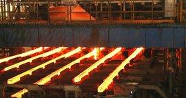 Công nghiệp ô tô tăng vọt, dịch vụ lữ hành đóng cửa trong