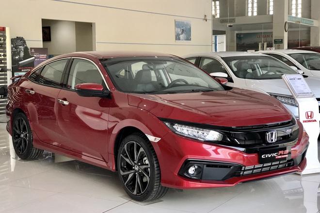 Elantra, Kia Cerato, Mazda3 chạy đua giảm giá giành khách mua sedan cỡ C - 1