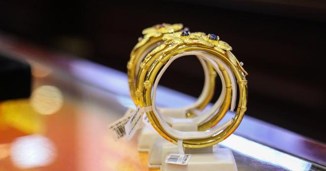 Đảo chiều, giá vàng tăng mạnh  - 1