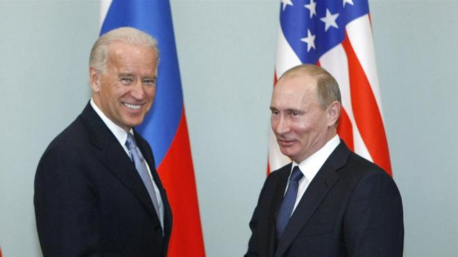Phản ứng bất ngờ của Tổng thống Putin khi bị hỏi khó về ông Biden - 1