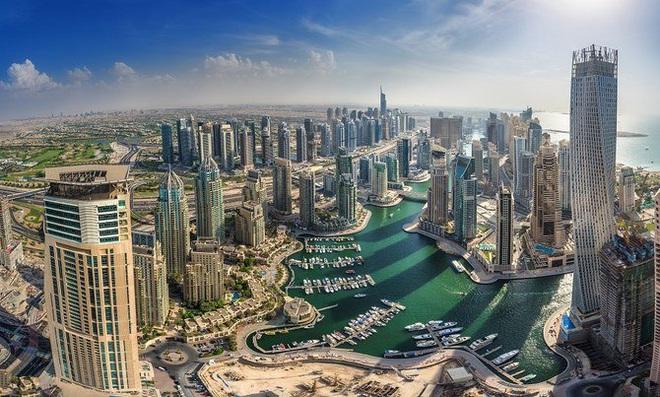 Hé lộ thú vị về kinh tế của UAE, nước có đội bóng sắp thi đấu với Việt Nam - 1