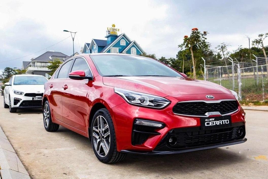 Kia Cerato giảm giá 65 triệu - Sedan hạng C rẻ ngang Toyota Vios