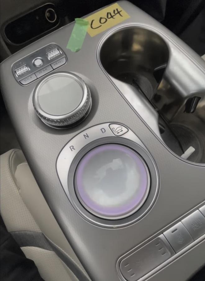 Hé lộ thiết kế không gương cửa, không cần số của Genesis GV60 - 7