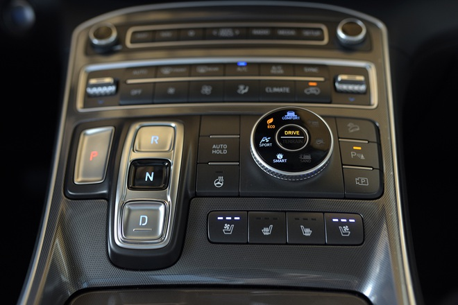 Xe gầm cao 7 chỗ, chọn Kia Sorento All New hay Hyundai SantaFe 2021? - 8