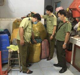 Phát hiện số lượng lớn sản phẩm giả mạo tại cơ sở sản xuất, đóng gói trà, cà phê Long Bình