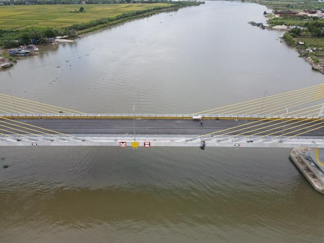 Ngắm cây cầu 400 tỷ đồng hình hạt gạo - 2
