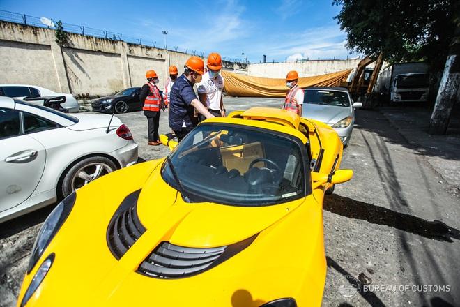 Xem Hải quan Philippines nghiền nát hàng chục xe sang nhập khẩu - 2