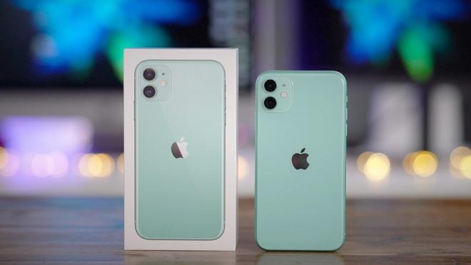 iPhone 11 chính hãng giảm giá mạnh, rẻ hơn máy xách tay - 1