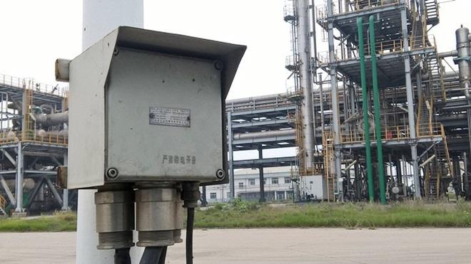 Máy móc, nguyên liệu Trung Quốc ồ ạt chạy về Việt Nam - 1