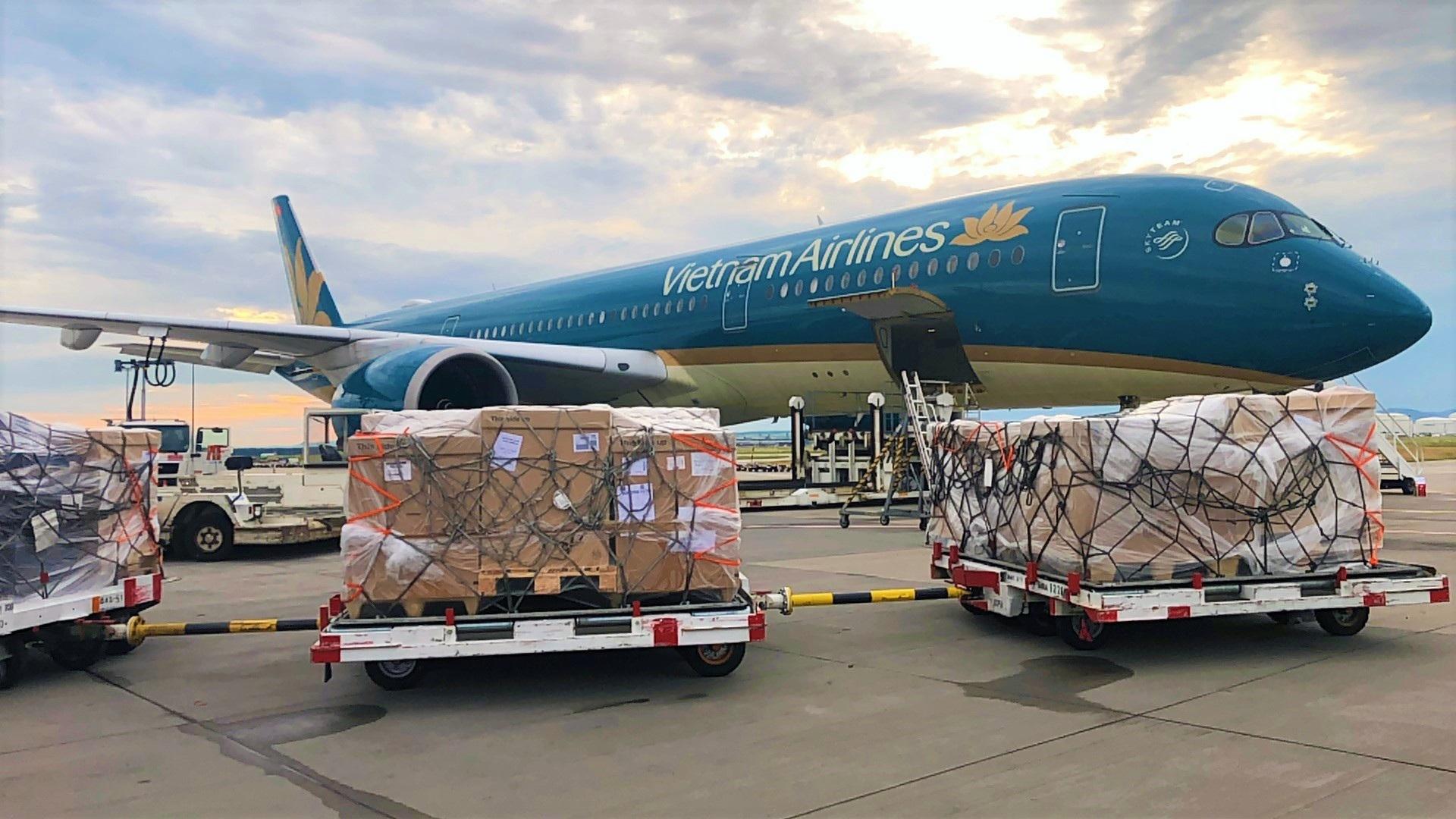 Ưu tiên chuyển nhanh 190.000 bộ kit xét nghiệm Covid-19 từ Đức về Việt Nam