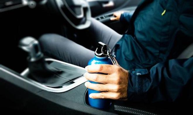 Quên uống nước khi lái xe nguy hiểm không kém gì say xỉn - 1