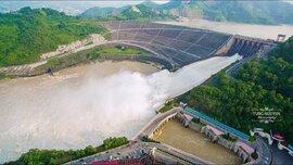 """Mức nước hồ thủy điện xuống thấp, cung cấp điện gặp """"nguy cơ"""""""