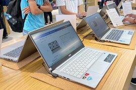 Vào mùa thấp điểm, laptop vẫn khan hàng, tăng giá tại Việt Nam
