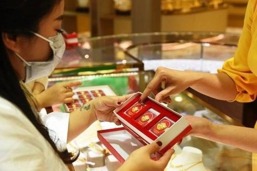 Giá vàng tiếp tục tăng, chuyên gia dự báo đợt